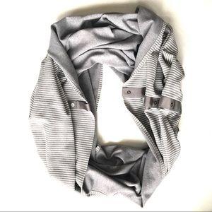 Lululemon striped Vinyasa Scarf gray white